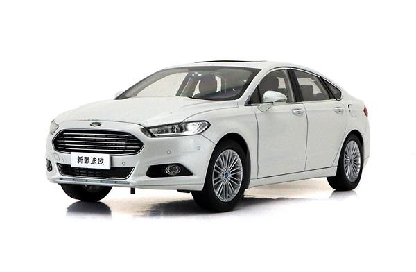 โมเดลรถ โมเดลรถเหล็ก โมเดลรถยนต์ Ford Mondeo 2013 ขาว 1