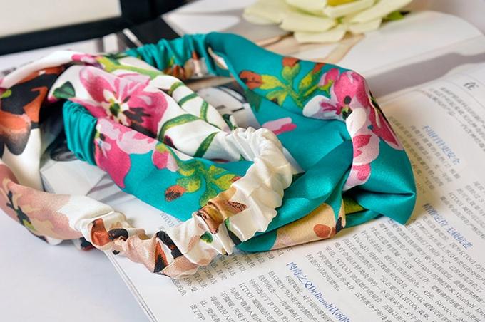 ผ้าคาดผมแฟชั่นโบฮีเมียนสีเขียวลายดอกไม้ผ้ามัน