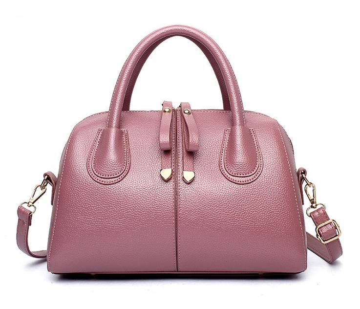 [ Pre-Order ] - กระเป๋าแฟชั่น ถือ/สะพาย สีชมพู ทรงหมอนตั้งได้ ใบกลางๆ ดีไซน์สวยเรียบหรู ดูดี งานหนังคุณภาพ อย่างดี