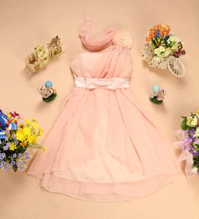 """""""พร้อมส่ง""""เสื้อผ้าแฟชั่นสไตล์เกาหลีราคาถูก เดรสออกงานสีชมพูเกาะอก ไหล่เดี่ยวข้างซ้าย แต่งดอกไม้ที่บ่า เอวติดโบว์ สม๊อกหลัง ซิปข้าง มีซับใน สายปรับได้"""
