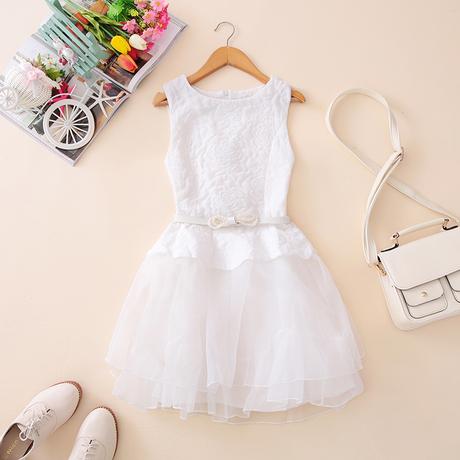 """""""พร้อมส่ง""""เสื้อผ้าแฟชั่นสไตล์เกาหลีราคาถูก เดรสออกงาน สีขาวแขนกุดลายดอก ซิปหลัง ต่อกระโปรงผ้าโปร่งระบาย2ชั้น มีซับใน มีเข็มขัดให้เหมือนแบบ"""