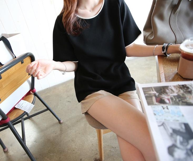 เสื้อแฟชั่นสีพื้น ผ้าคอตตอนนิ่มๆ ใส่สบาย สีดำ 110(B)