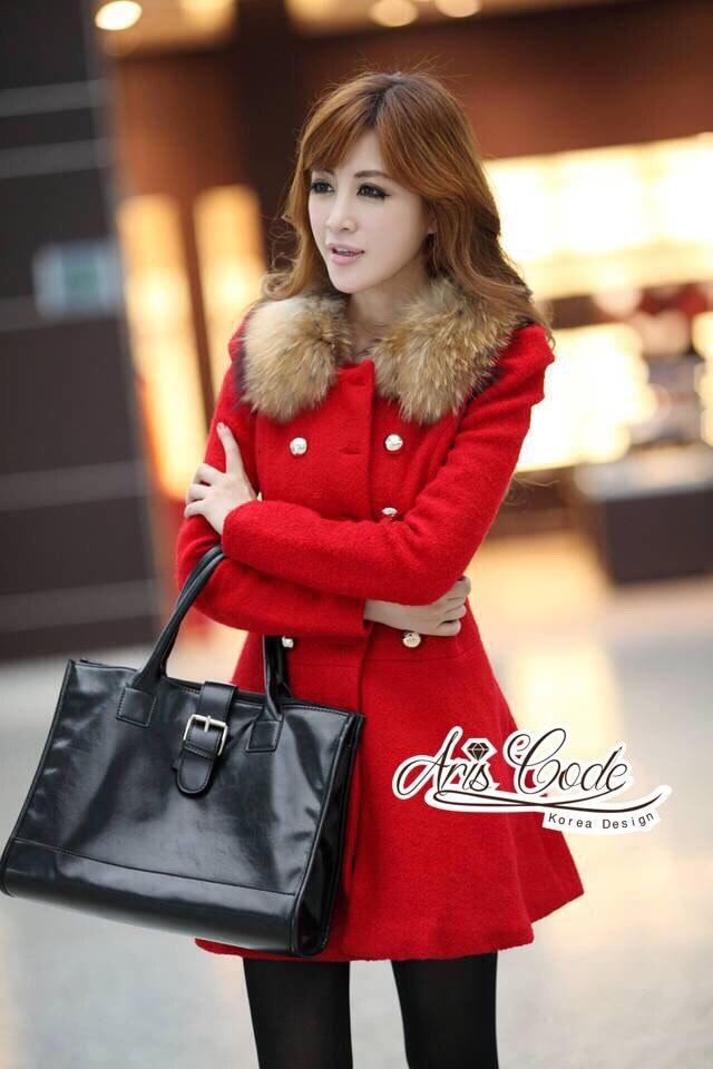เสื้อผ้าเกาหลี พร้อมส่งเสื้อโค้ทสีแดงแต่งขนเฟอ