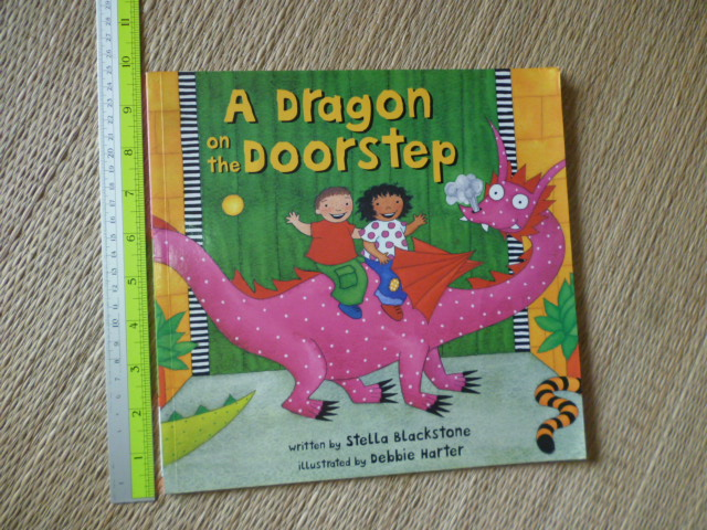 A Dragon on the Doorstep (Paperback)