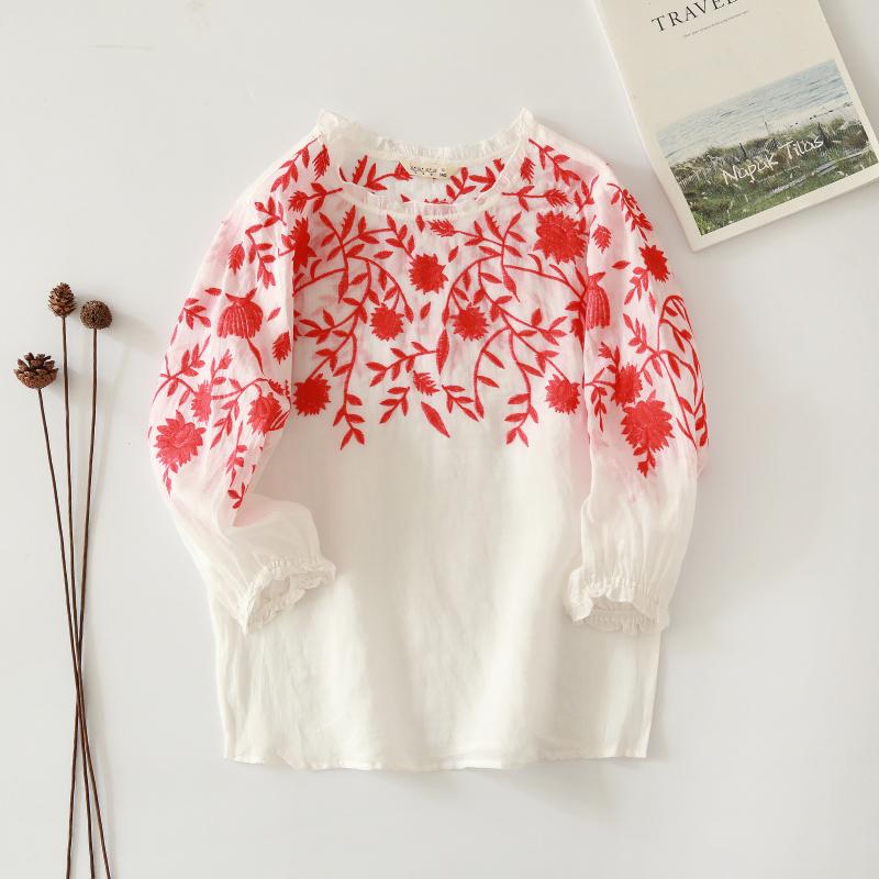 เสื้อลินินปักลายดอกไม้แสนสุภาพและอ่อนโยน