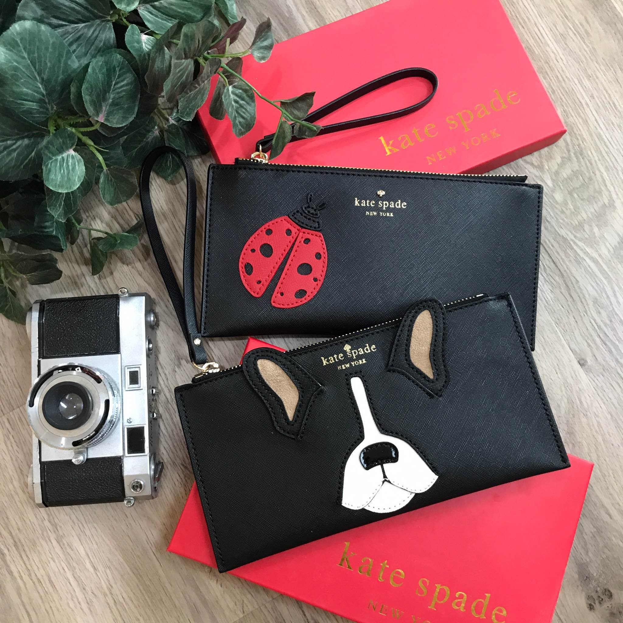 KATE SPADE NEW YORK CLUTH BAG *สินค้า Outlet