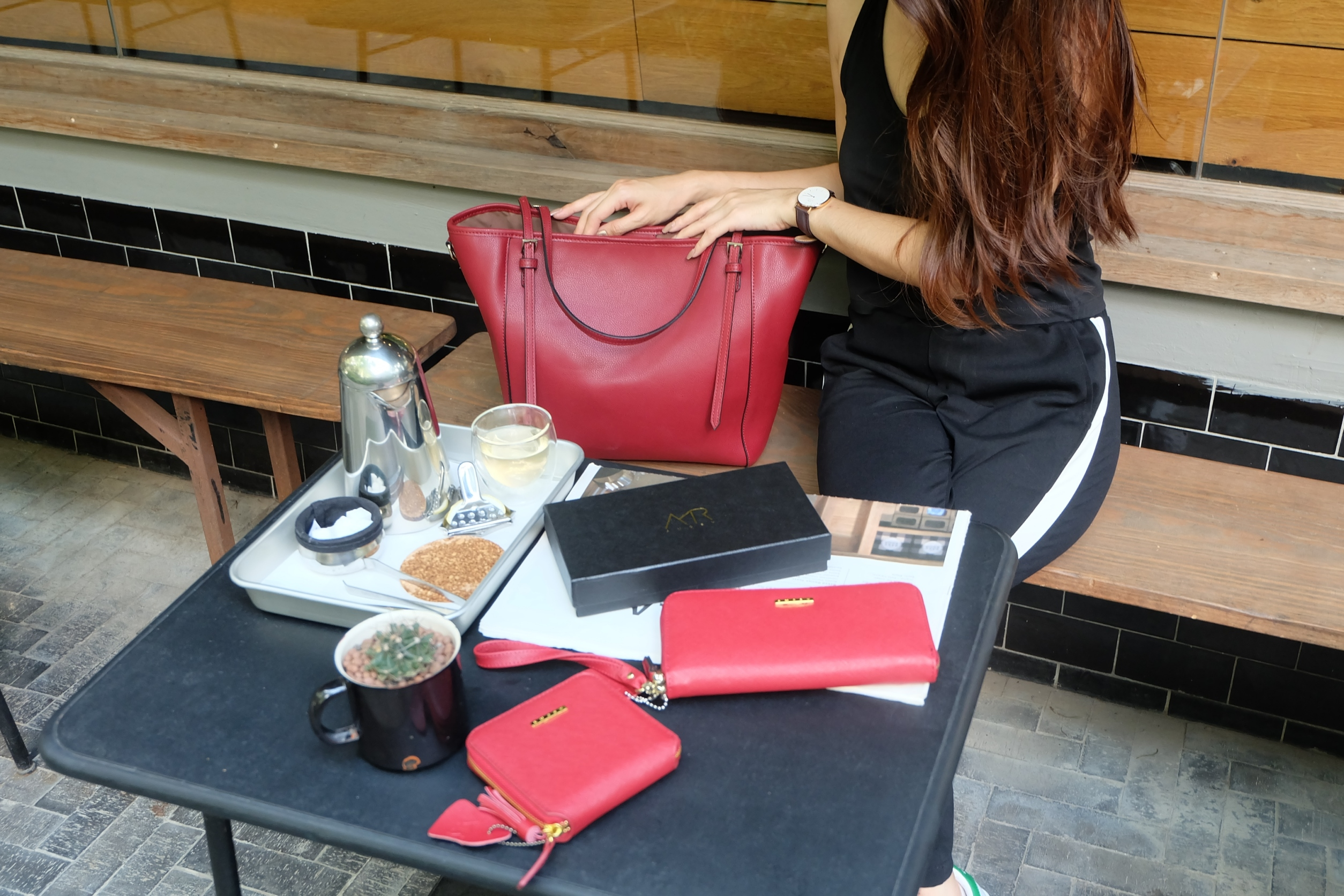 กระเป๋า Amory Leather Everyday Tote Bag สีแดง กระเป๋าหนังแท้ทั้งใบ 100%
