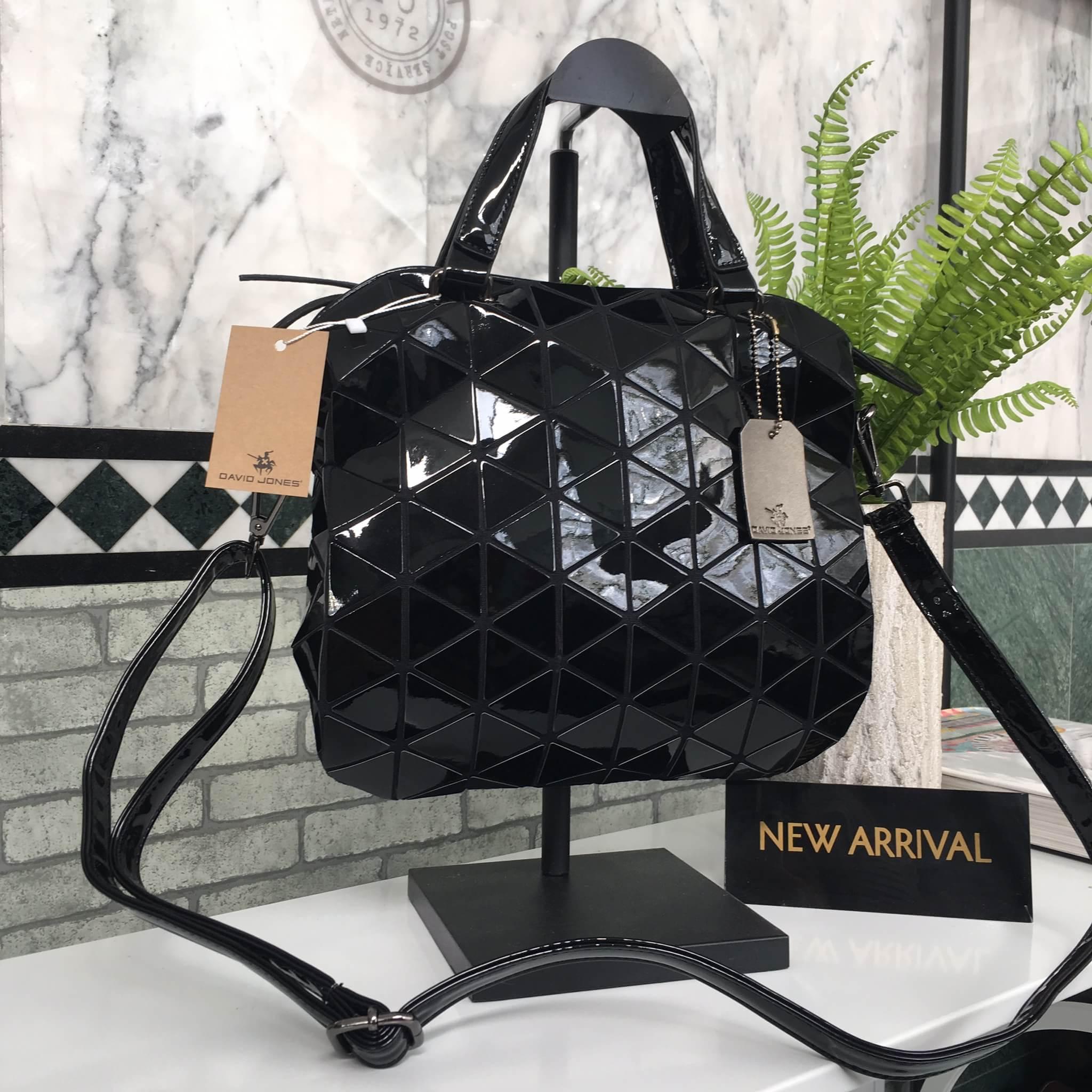 กระเป๋า David Jones Tote ตัวกระเป๋าเย็บติดด้วยแผ่นอคิลิค ราคา 1,690 บาท ส่ง Ems Free