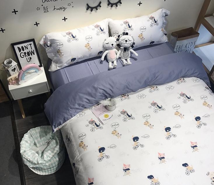 ผ้าปูที่นอน ลายการ์ตูน สีน้ำเงิน-ขาว