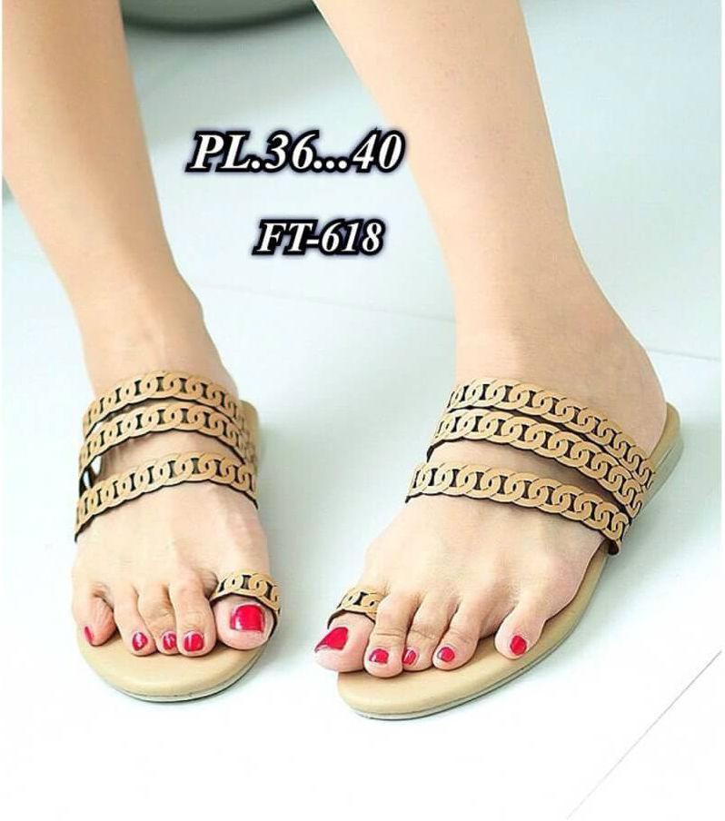 รองเท้าแตะแฟชั่น แบบสวมนิ้วโป้ง แต่งลายฉลุสวยเก๋สไตล์แอร์เมส หนังนิ่ม ทรงสวย ใส่สบาย แมทสวยได้ทุกชุด (FT-618)