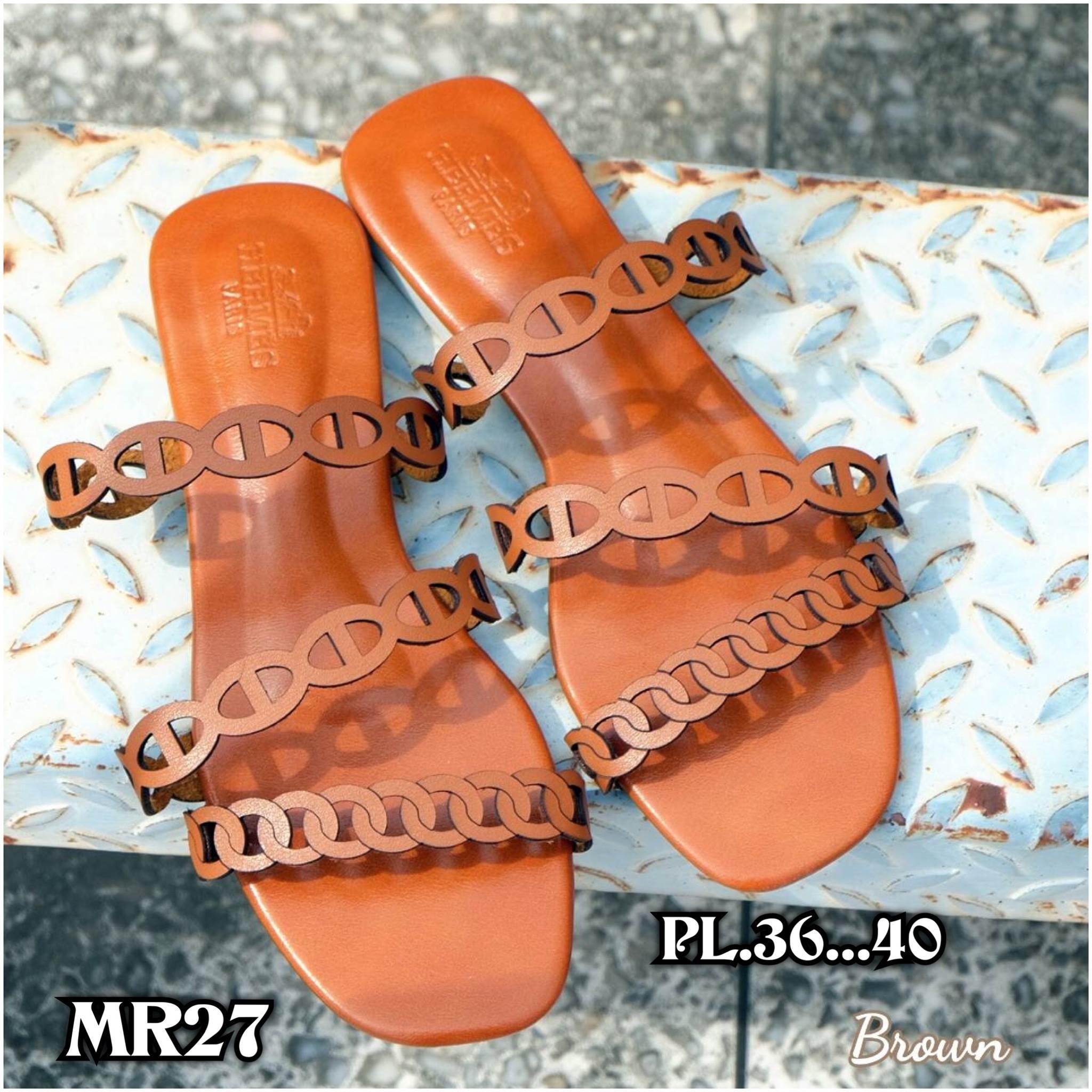 รองเท้า แตะแฟชั่น แบบสวม แต่งหนังเส้นลายฉลุสวยเก๋สไตล์แอร์เมส หนังนิ่ม ทรงสวย ใส่สบาย แมทสวยได้ทุกชุด (MR27)