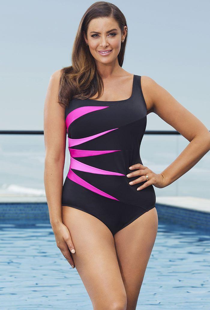 ชุดว่ายน้ำคนอ้วน 4xl สีดำ รอบอก 42-48 เอว 36-42 สะโพก 42-50 นิ้วค่ะ เนื้อผ้าดีงานสวย แต่งลายด้านข้างดำให้ดูเอวไม่หนา สวยมากค่ะ