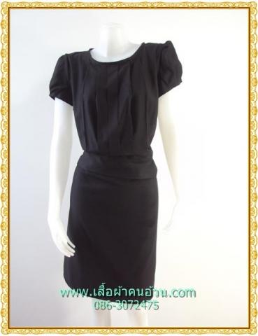 1837เสื้อผ้าคนอ้วนสีดำ ชุดทำงานไหมอิตาลี่เนื้อเบามีซับในดำตีเกล็ดหน้าคอกลมแขนคร่อมไหล่แต่งจีบปลายต่อเอวด้วยชิ้นลอยกระโปรงทรงตรงมีซับใน