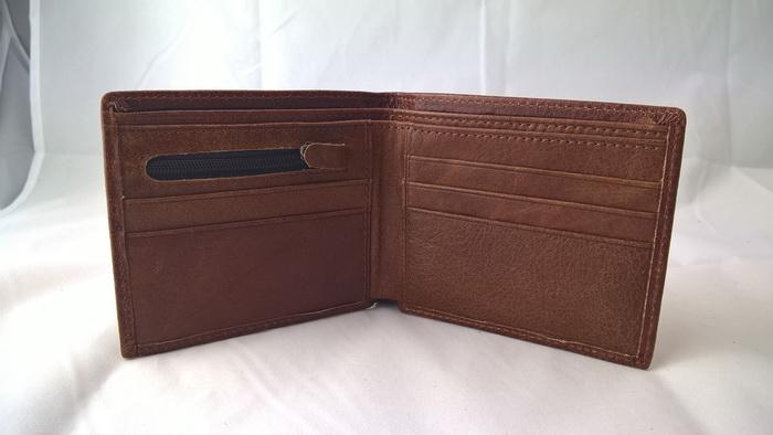 SB0036 กระเป๋าสตางค์ใบสั้น หนังนูบัค มือหนึ่งค้างสต็อก สีน้ำตาล