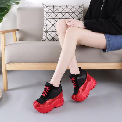 รองเท้าผ้าใบตาข่ายระบายอากาศแฟชั่นเพิ่มสูง 12cm สไตล์ Muffin