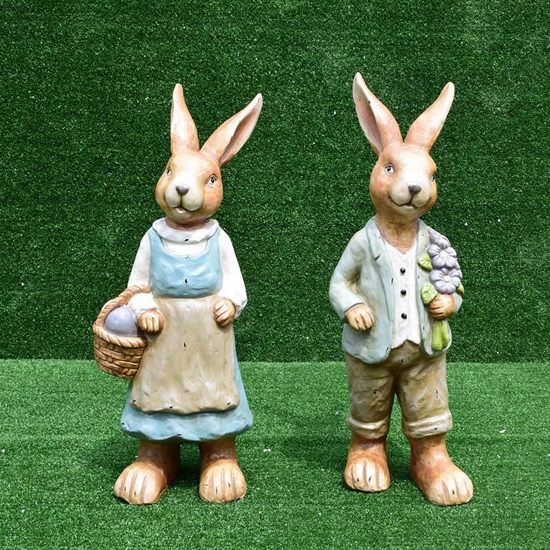 กระต่ายยืนถือดอกไม้ SALE!!! (975 บาท x 2 ชิ้น)