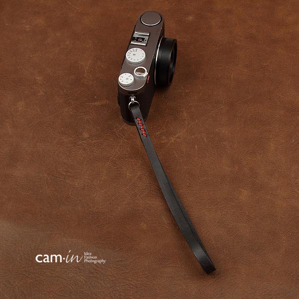 สายคล้องข้อมือกล้องหนังแท้ Cam-in Camera Wrist Strap สีดำด้ายแดง