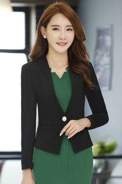 (สินค้าหมด) เสื้อสูทแฟชั่น เสื้อสูทผู้หญิง สีดำ แขนยาว ตัวสั้น