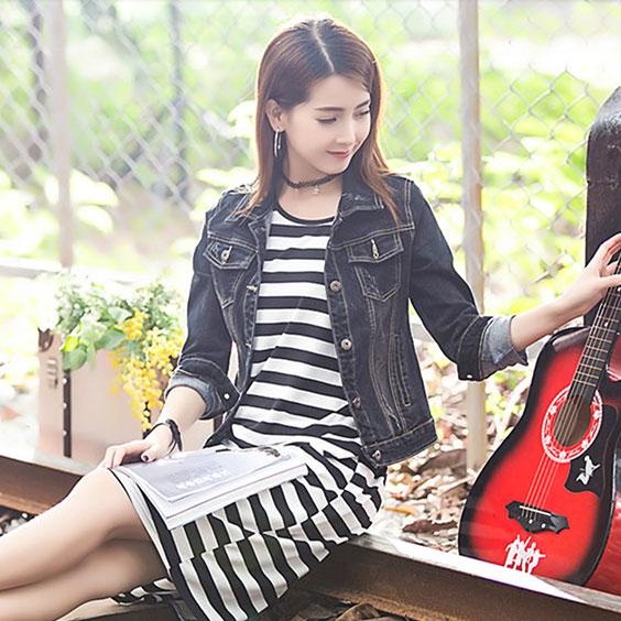เสื้อยีนส์ผู้หญิง แจ็คเก็ตยีนส์ เสื้อคลุมยีนส์ สีดำ แขนยาว คอปก แฟชั่นสไตล์เกาหลี