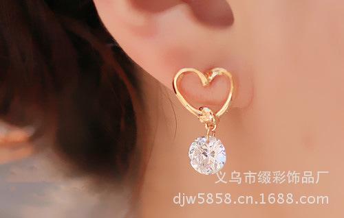 C251 - ต่างหูแฟชั่น ต่างหูหนีบ ต่างหูเกาหลี ตุ้มหูแฟชั่น ตุ้มหู ต่างหู เครื่องประดับ glossy Heart quality zircon earrings