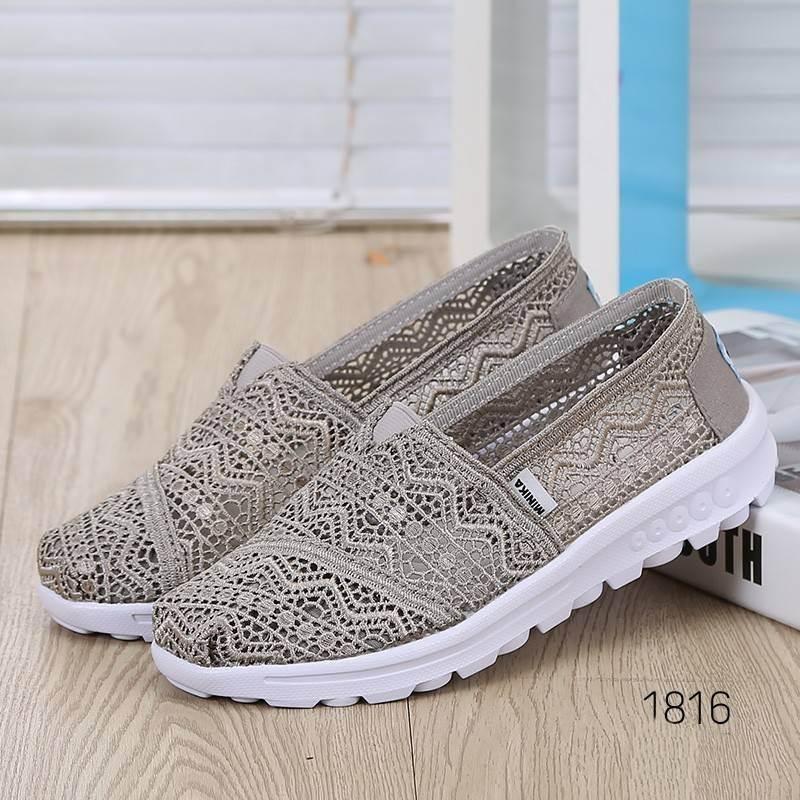 พร้อมส่ง รองเท้าผ้าใบลูกไม้สีเทา พื้นสุขภาพ ผ้าลูกไม้โปร่งใส่สบาย แฟชั่นเกาหลี [สีเทา ]