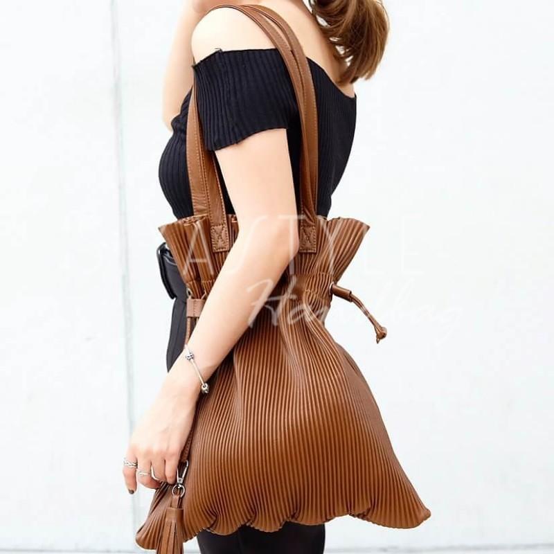 กระเป๋าสะพายแฟชั่น กระเป๋าสะพายข้างผู้หญิง สะพายข้างอัดพีท [สีดำ]