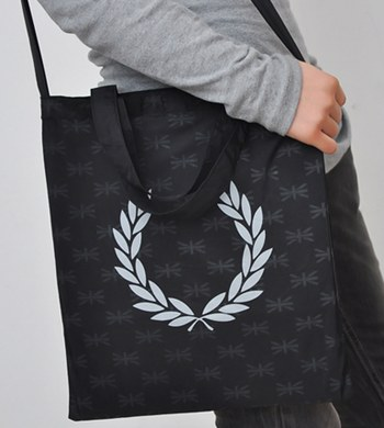 กระเป๋า Fred Perry 2-way Bag