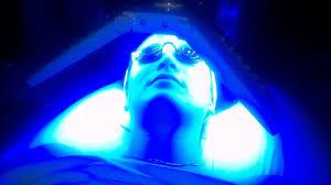 Blue light แสงรักษาสิว นวัตกรรมการรักษาสิว