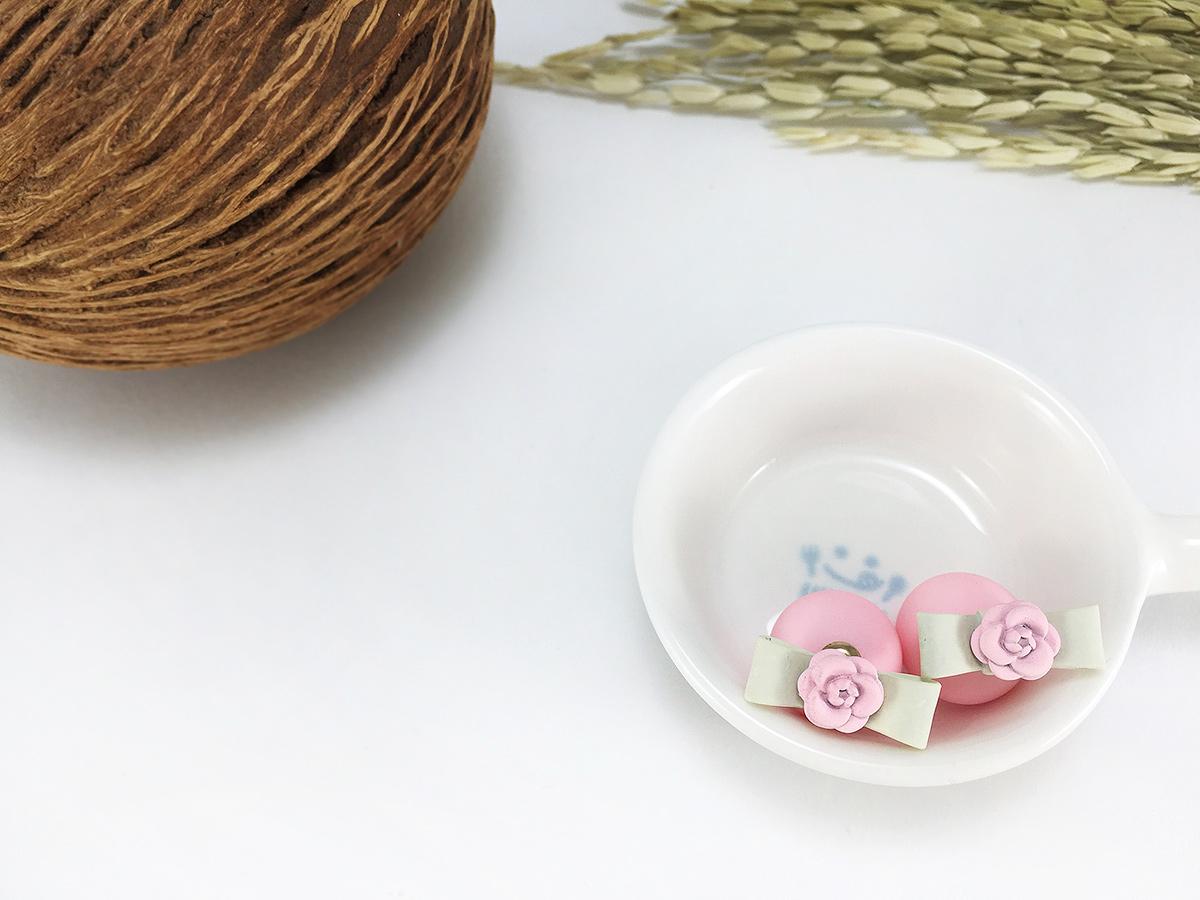 ต่างหูแฟชั่นเกาหลี สีชมพู รูปโบว์ดอกไม้หวานๆ น่ารักๆ พร้อมส่งค่ะ