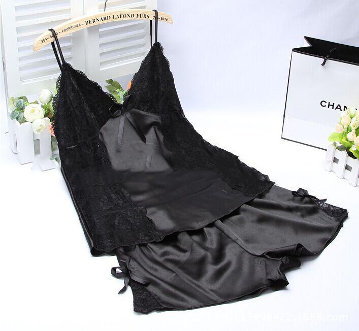 ชุดนอนกางเกงผ้าซาติน แถบลูกไม้ ผูกหลัง สีดำ ด้านหน้า