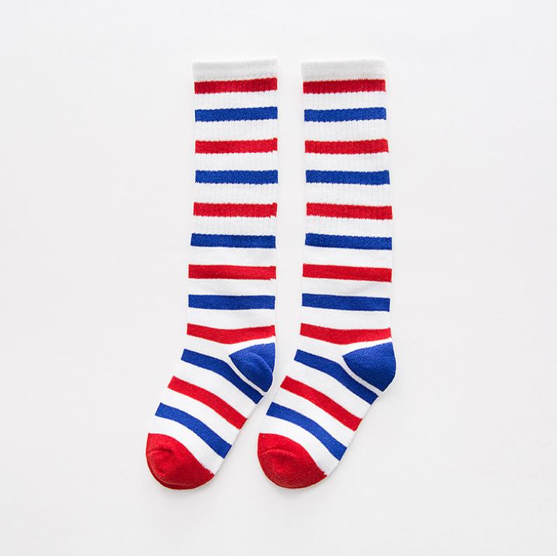 ถุงเท้ายาว สีแดง+ขาว+น้ำเงิน แพ็ค 10 คู่ ไซส์ S (อายุ 1-3 ปี)