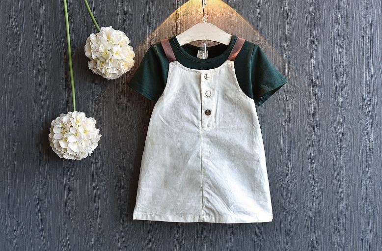 เสื้อ+เอี๊ยมกระโปรง สีเขียว แพ็ค 5ชุด ไซส์ 100-110-120-130-140