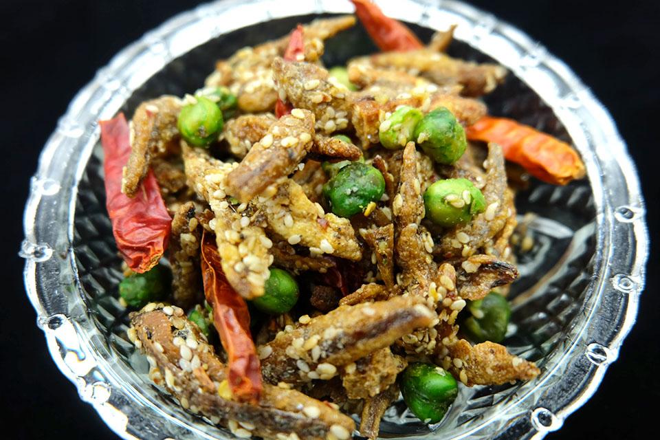 อาหารทะเลแห้ง ปลาจิ้งจ้างสมุนไพร อบกรอบ (2ขีด)