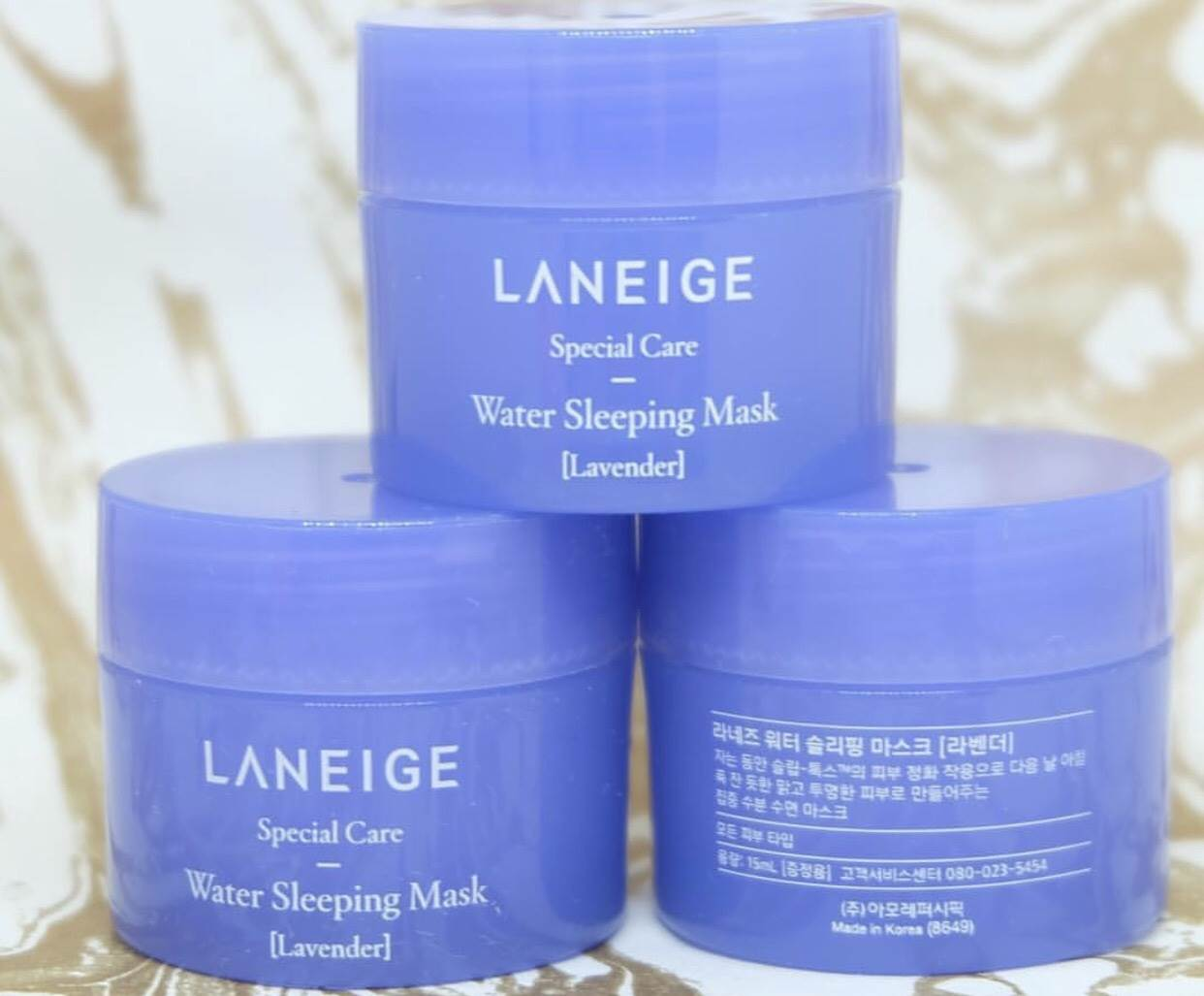 Water Sleeping Mask Lavender (Limited Edition) 15 ml เจลใสมาส์กหน้ากลิ่นลาเวนเดอร์ สำหรับทุกสภาพผิว แบบไม่ต้องล้างออก เนื้อเจลเย็นๆ บางเบาซึมซาบเร็ว พร้อมกลิ่นหอมที่ถูกคิดค้นเป็นพิเศษ มอบความรู้สึกผ่อนคลายสบายผิว เข้าเติมน้ำให้ผิวขณะหลับอย่างล้ำลึก ตื่นรั