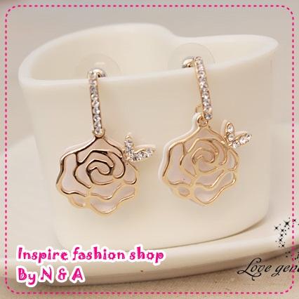 ตุ้มหูดอกกุหลาบสีทอง Special feedback aesthetic temperament models roses earrings Korea Korea Europe and the United States retro earrings female