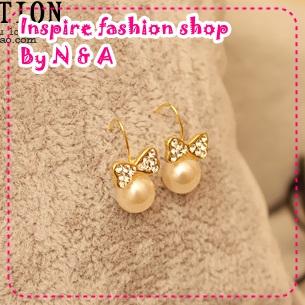 ตุ้มหูโบว์ไข่มุกประดับเพชร OF love decorated with elegant pearl bow earrings Korea Korea Europe and the United States retro earrings earrings