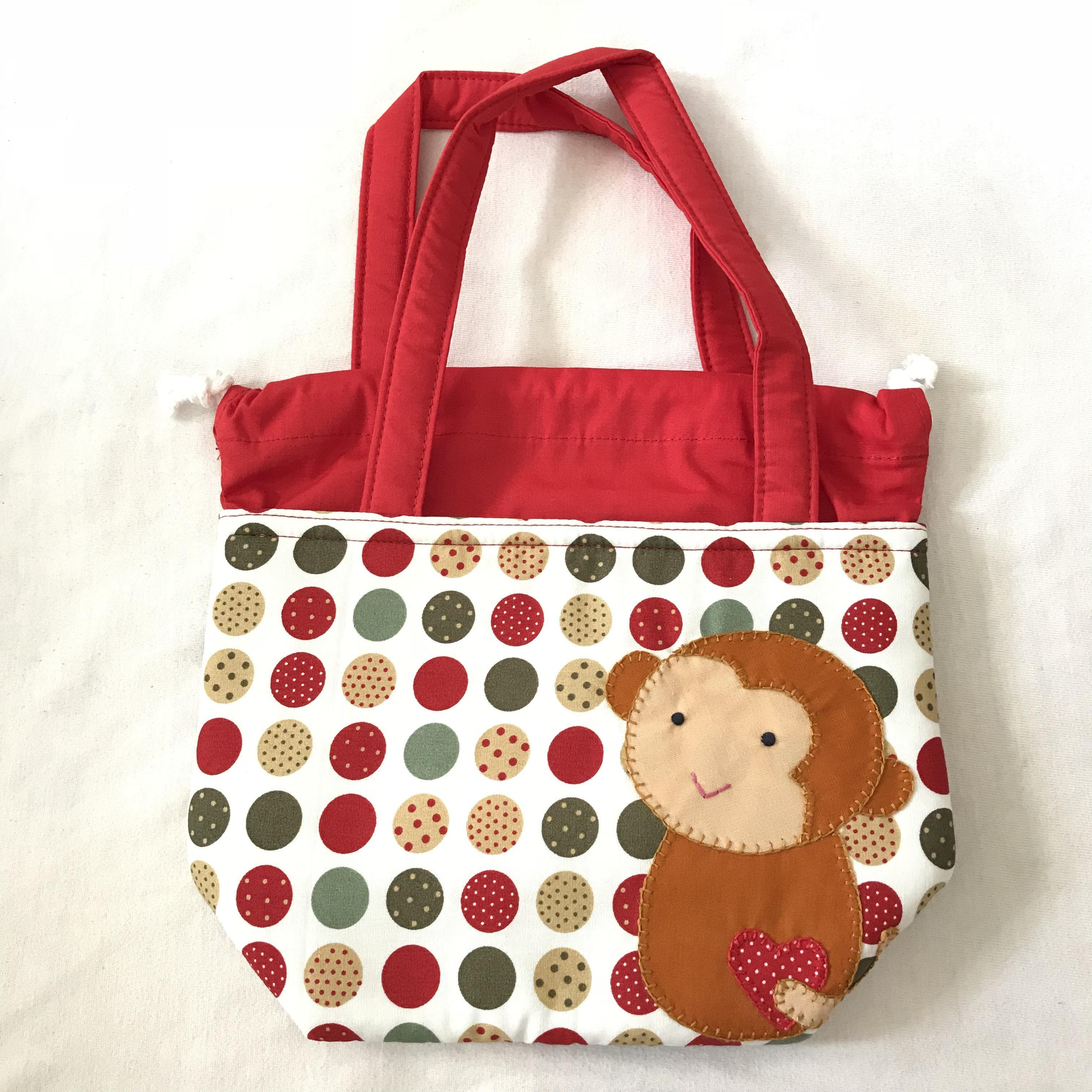 ** พร้อมส่งค่ะ ** กระเป๋าหูรูด ลายลิงน้อย สีแดง
