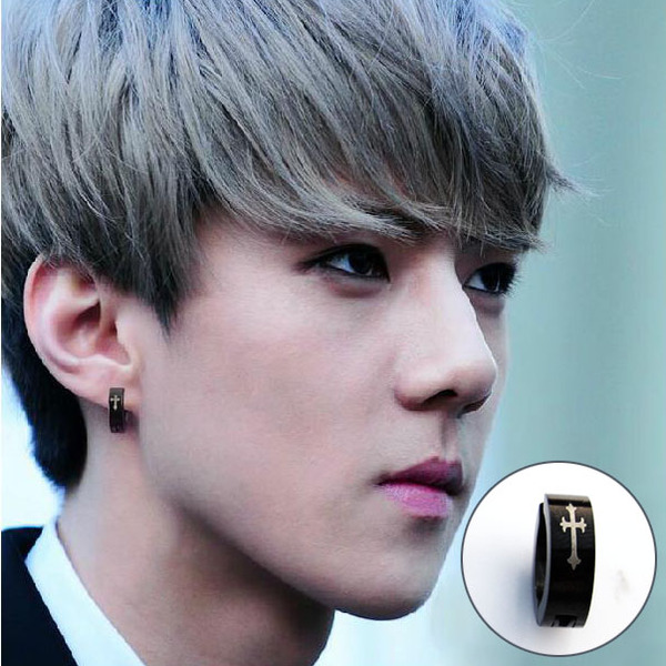 ต่างหูสีดำแบบ EXO SEHUN คู่ละ