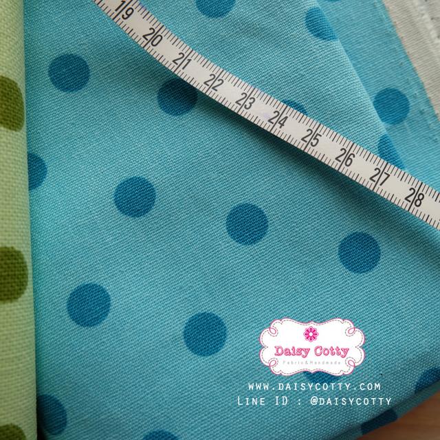 ผ้าคอตตอนลินิน 1/4ม.(50x55ซม.) พื้นสีฟ้าอ่อน ลายจุดสีฟ้าเข้ม