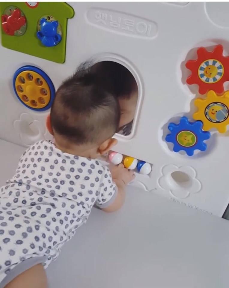 รีวิว คอกกั้นเด็ก เฮนิม รุ่น Petit สีขาว-เทา