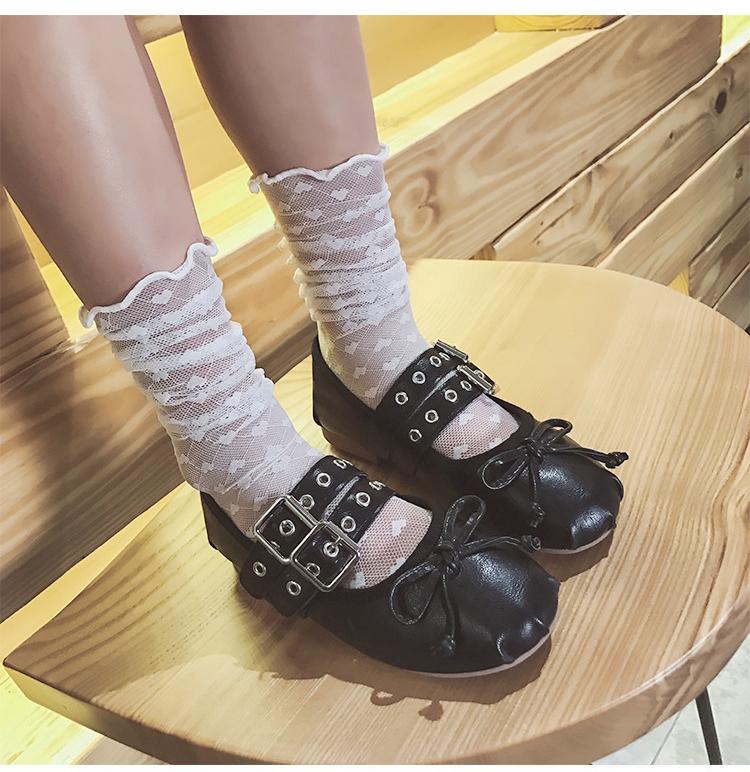 ถุงเท้าเด็กตาข่าย ถุงเท้าแบบโปร่ง ลายหัวใจ สีขาว M