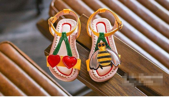รองเท้าเด็กผู้หญิง ผึงสึเหลือง