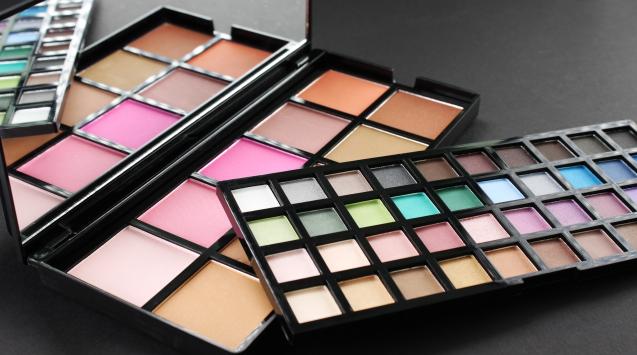 **พร้อมส่ง + ซื้อ 1 แถม 1 ** e.l.f. Studio 50 Piece makeup artist palette ( Makeup Artist Palette 1 )