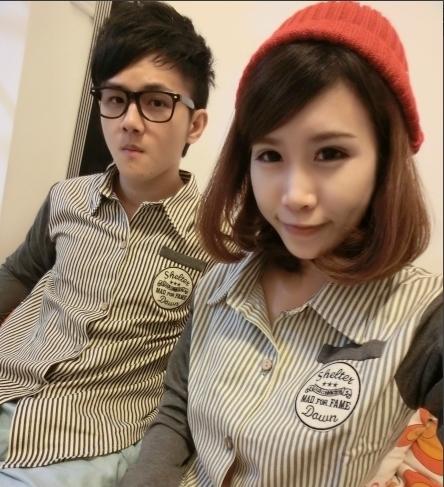 เสื้อคู่รักแฟชั่น เป็นเสื้อเชิ้ตเเขนยาว ทั้งผู้ชายเเละผู้หญิง ผ้าฝ้าย ใส่สบาย