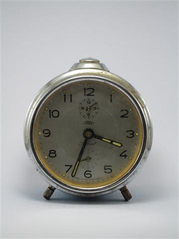 U772 นาฬิกาปลูกโบราณ PRIM Silent เดินดีปลุกดี ส่ง EMS ฟรี