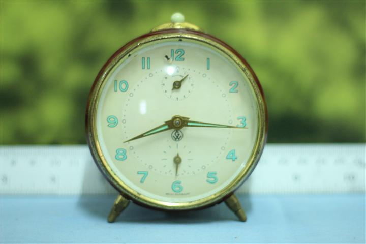 T0654 นาฬิกาปลุกเยอรมันโบราณ ส่ง EMS ฟรี