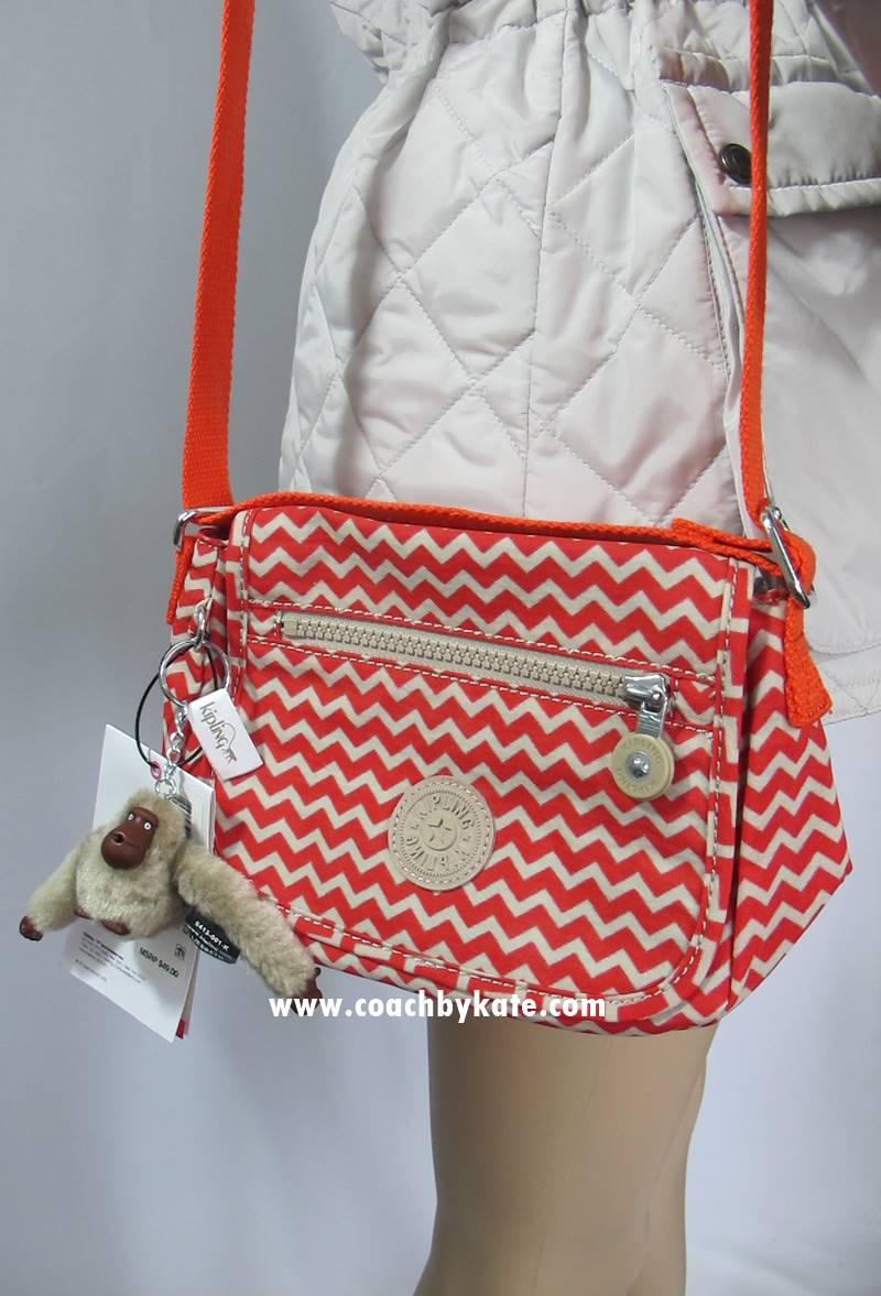 สินค้าอยู่ USA : กระเป๋า Kipling AC7513 Sabian Color695 Chevronrpr