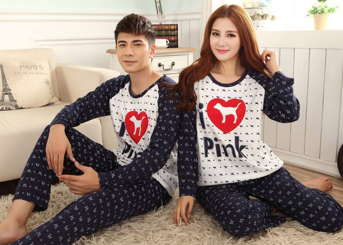 Pre Order ชุดนอนคู่รัก แขนยาว ขายาว พิมพ์ลาย I Love Pink