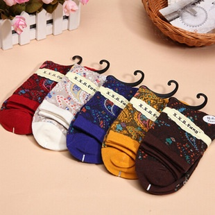 S335**พร้อมส่ง** (ปลีก+ส่ง) ถุงเท้าแฟชั่นเกาหลี ข้อยาว คละ 5 สี มี 10 คู่/แพ็ค เนื้อดี งานนำเข้า(Made in China)