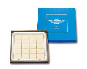(xyz004)Royce Nama Chocolate White : กล่องสีฟ้า ช็อคโกแลตขาวรสชาติออกหวานนมนิดๆ สำหรับผู้ที่ชื่นชอบช็อคโกแลตขาว